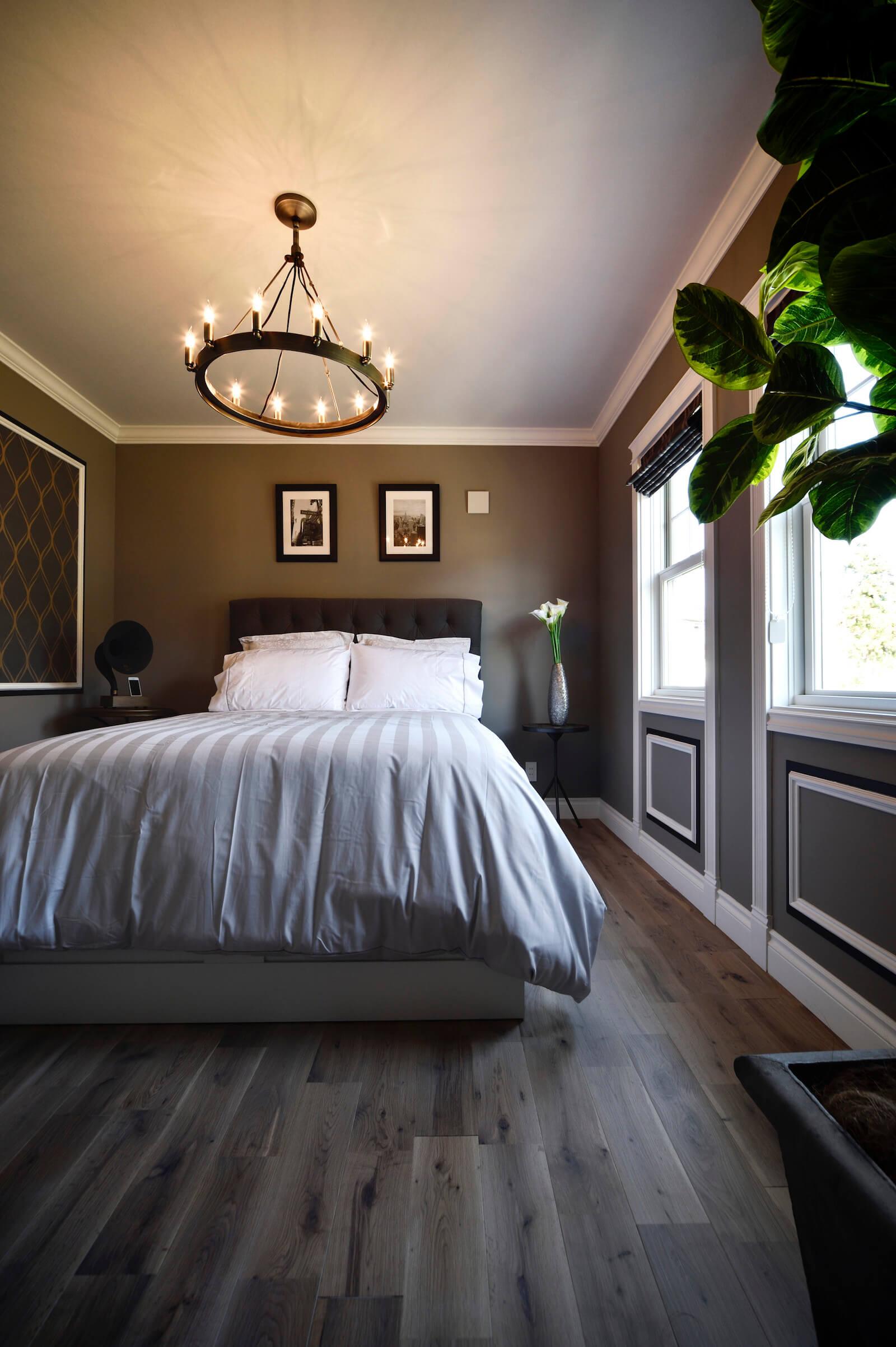 アーリーアメリカンの輸入住宅の寝室