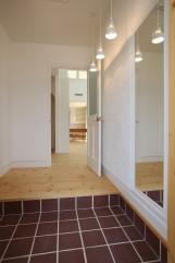 北欧デザインの輸入住宅の玄関